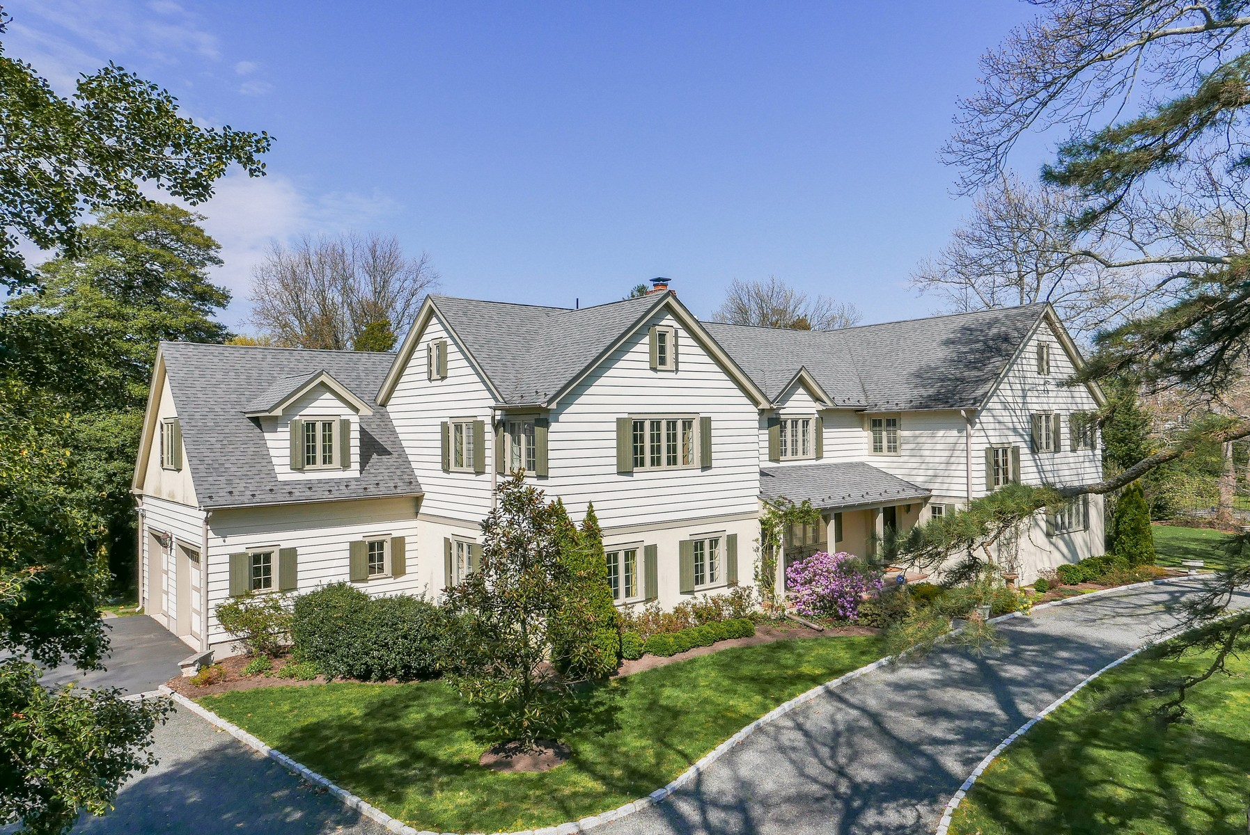 sales property at Rumson, NJ - Timeless Appeal