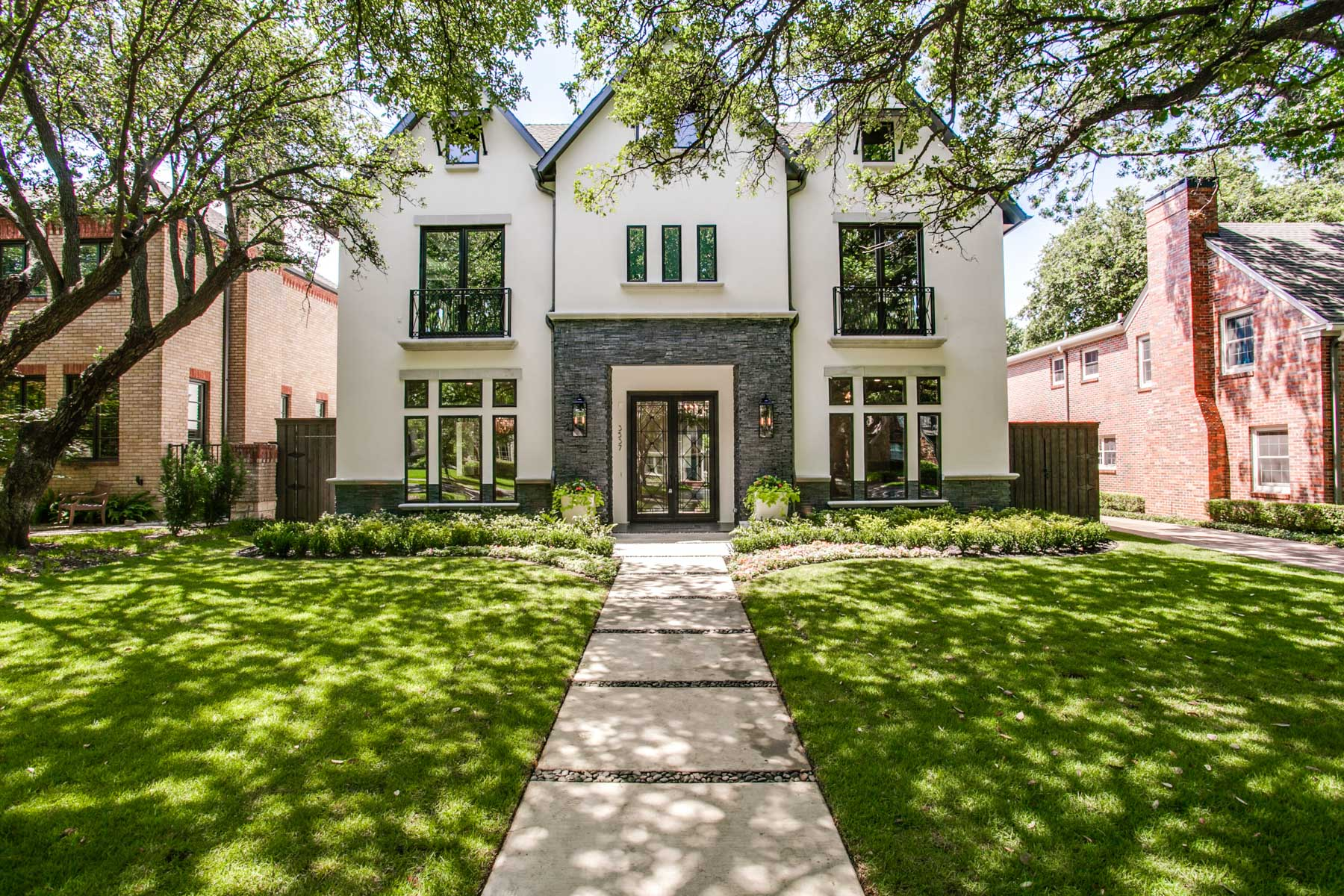 Maison unifamiliale pour l Vente à New Construction Transitional 3537 Milton Avenue Dallas, Texas, 75205 États-Unis