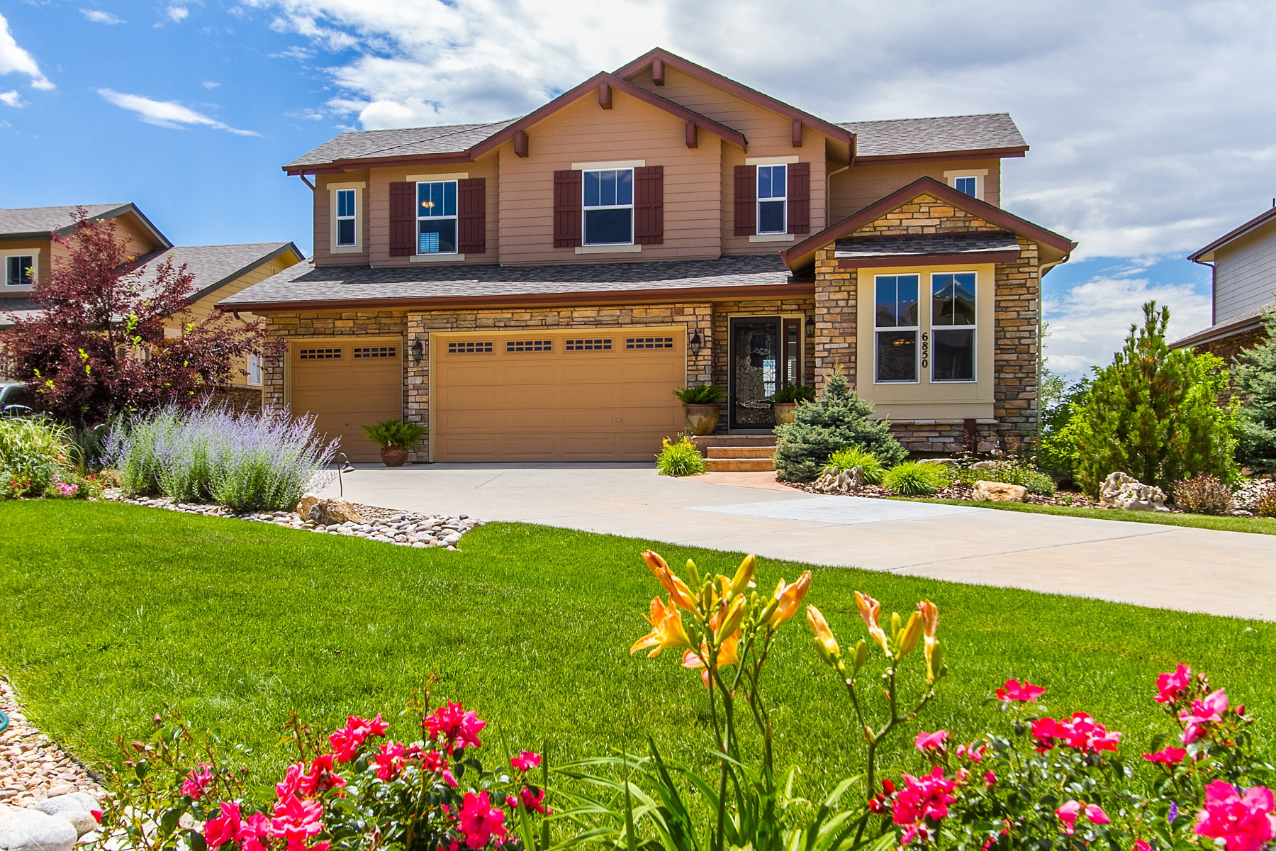 Single Family Home for Sale at Gorgeous, Immaculate Maintained Home 6850 South Harvest Court Aurora, Colorado 80016 United States