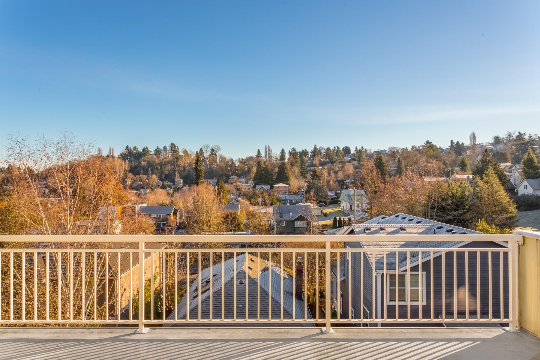 Nhà phố vì Bán tại Sun-drenched Madison Valley Townhome 1816 27th Ave #A Seattle, Washington, 98122 Hoa Kỳ