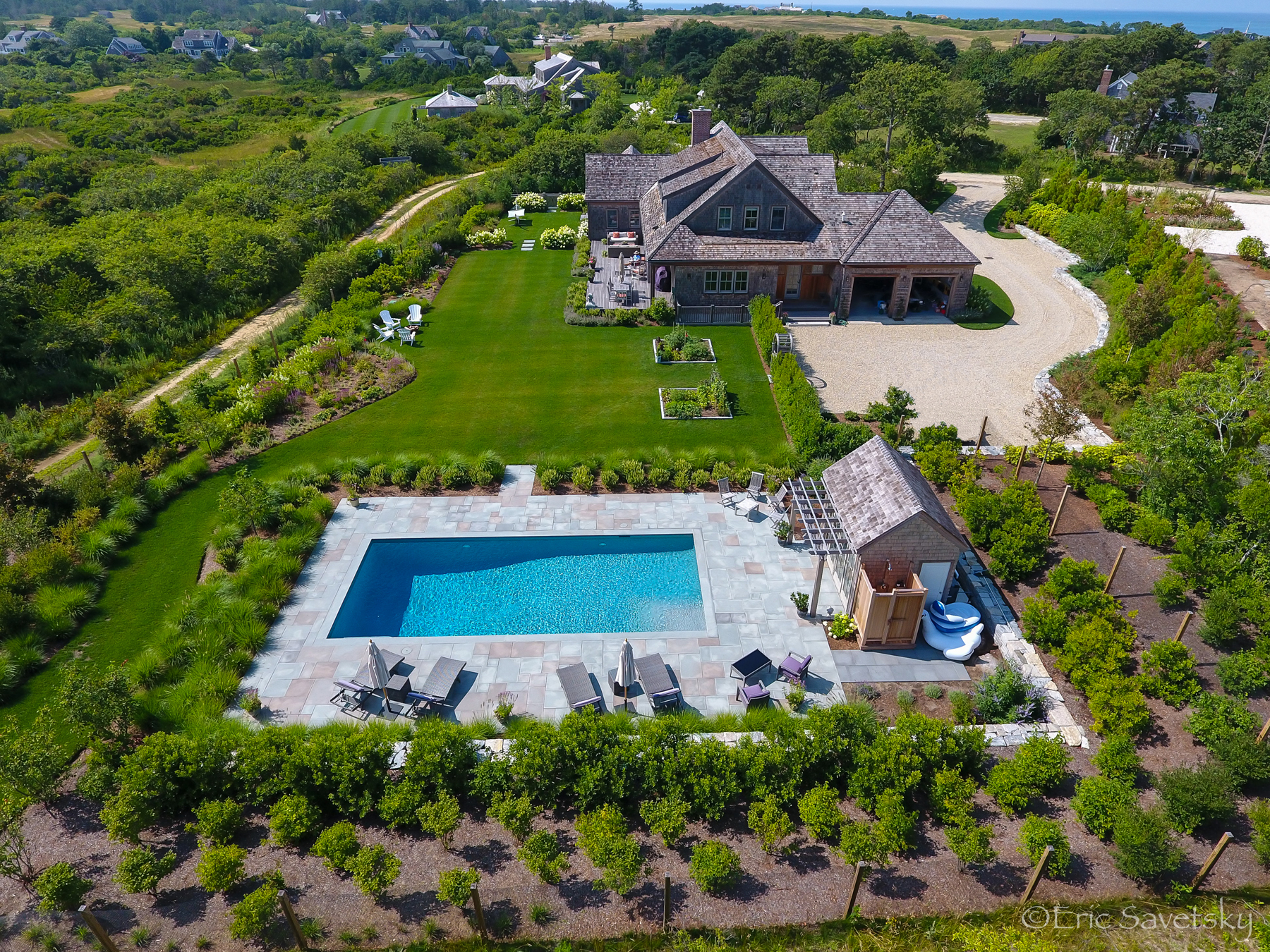 Moradia para Venda às Sophisticated Two Acre Estate 8 Hickory Meadow Lane Nantucket, Massachusetts, 02554 Estados Unidos
