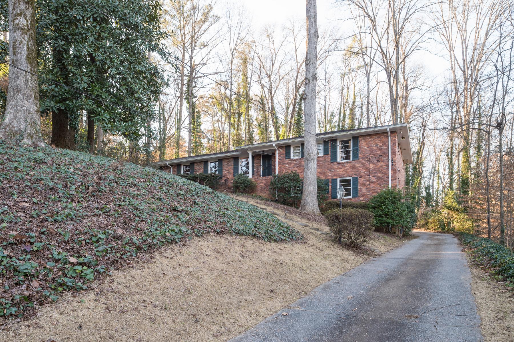 獨棟家庭住宅 為 出售 在 Hilltop All Brick Ranch On Cul-de-sac 5030 Vallo Vista Court Atlanta, 喬治亞州 30342 美國