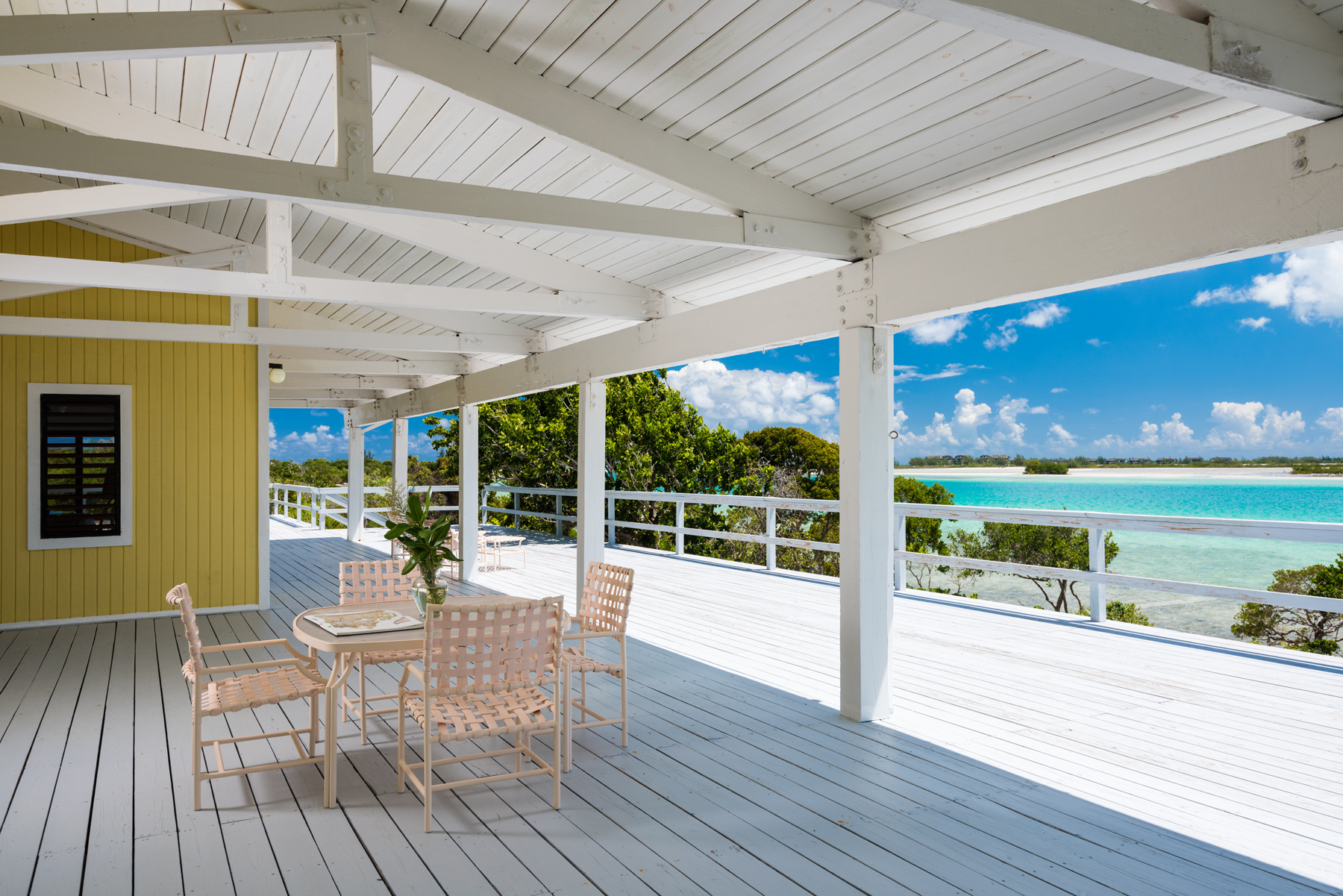 Additional photo for property listing at Sandcastle on Pine Cay Channel Front Pine Cay, Pine Cay TCI Îles Turques Et Caïques