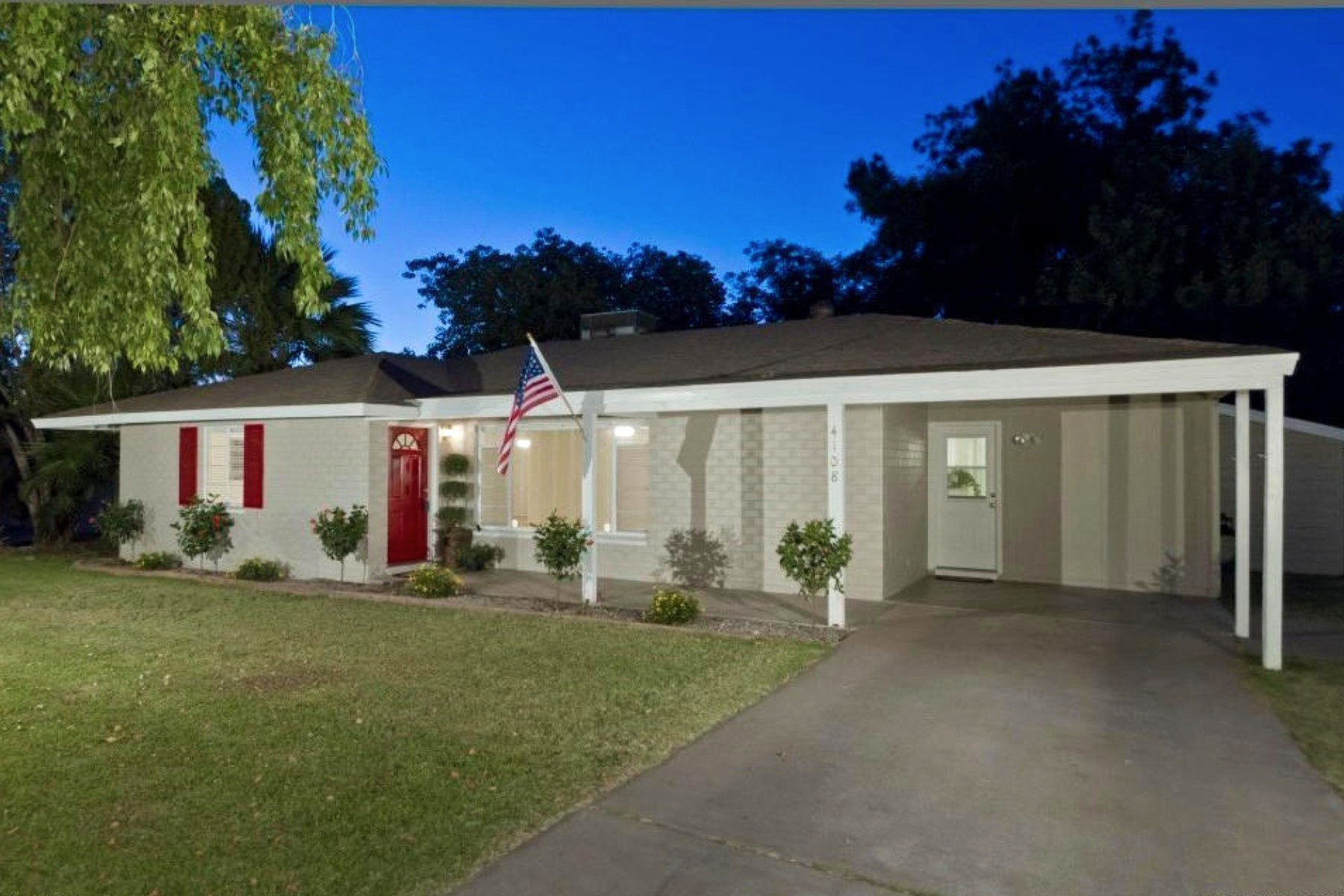 獨棟家庭住宅 為 出售 在 Delightfully Remodeled Ranch On A Quiet, Tree Lined Street In Rancho Ventura 4108 E Pinchot Ave Phoenix, 亞利桑那州 85018 美國