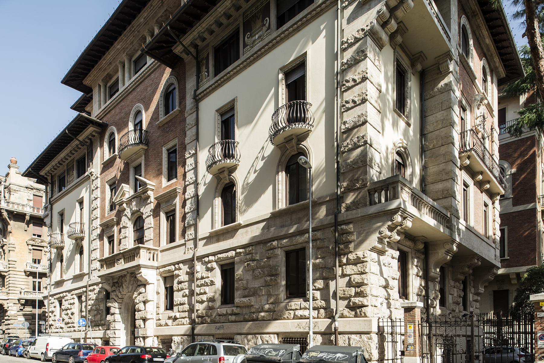 Townhouse for Sale at Exclusive Townhouse in Rome's centre Zona Coppedè Rome, Rome 00163 Italy