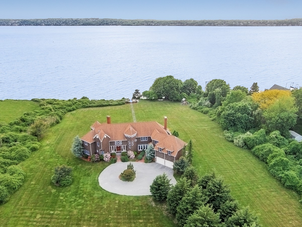 Single Family Home for Sale at Nanaquaket Waterfront 112 Riverscape Lane Tiverton, Rhode Island 02878 United States