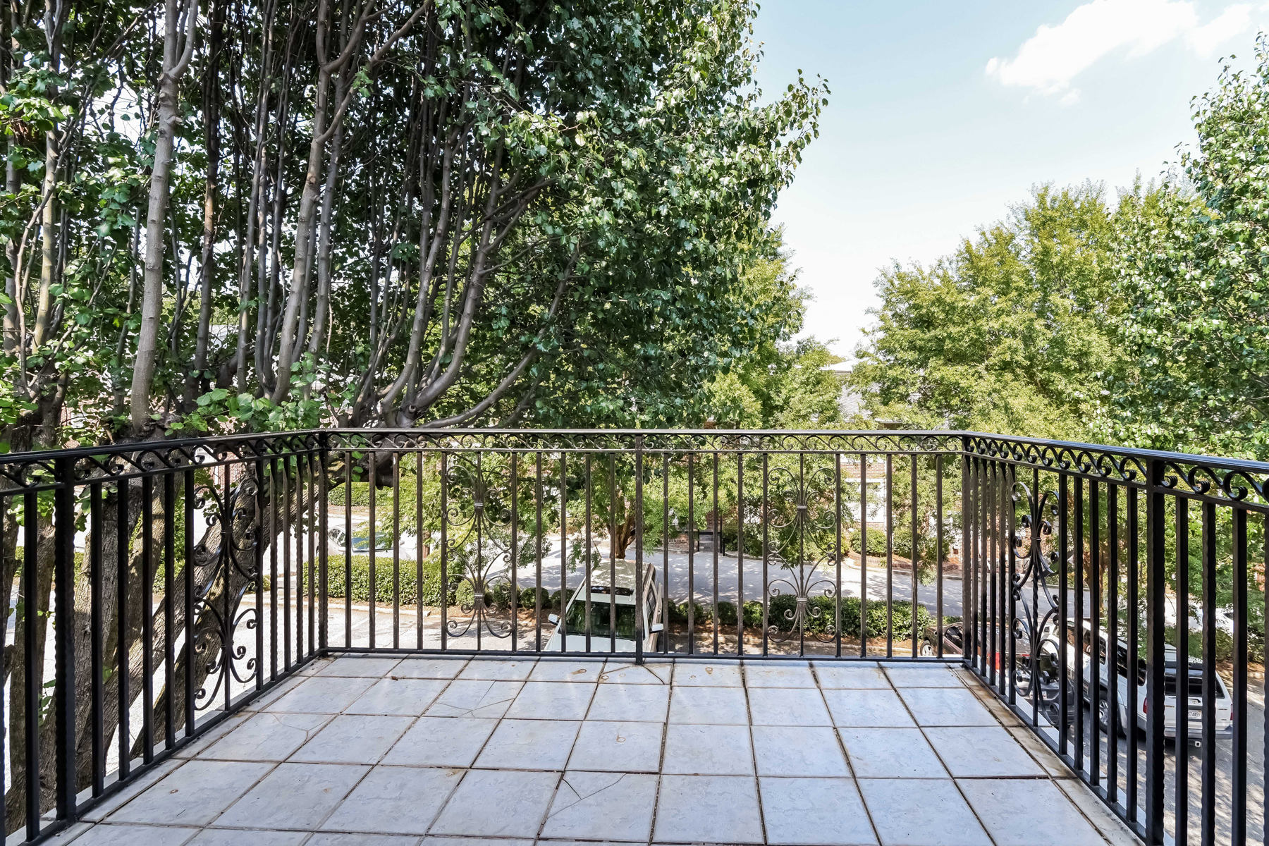 Additional photo for property listing at Charming Highland Hall Condo 869 Briarcliff Road NE Unit B16 Atlanta, ジョージア 30306 アメリカ合衆国