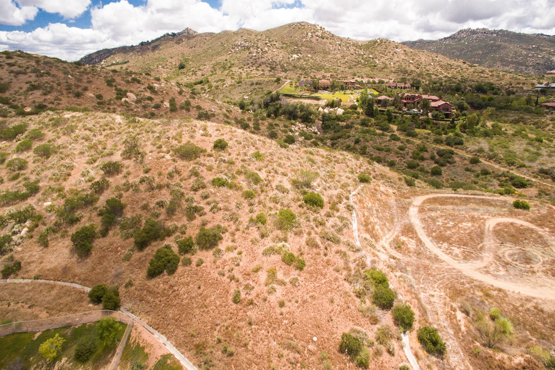 Additional photo for property listing at Olympic Point  Poway, California 92064 United States