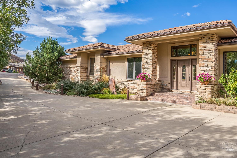 Single Family Home for Sale at Roxborough Park 10194 Sumac Run Littleton, Colorado, 80125 United States
