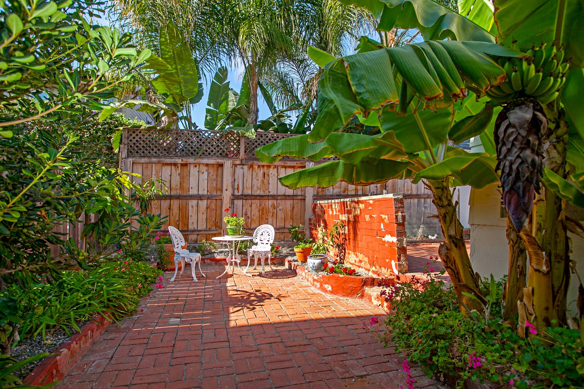 Additional photo for property listing at 556 Genter Street  La Jolla, California 92037 United States