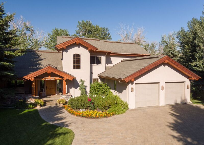 Maison unifamiliale pour l Vente à Newly Listed with River Access 1168 Glen Aspen Drive Bellevue, Idaho, 83313 États-Unis