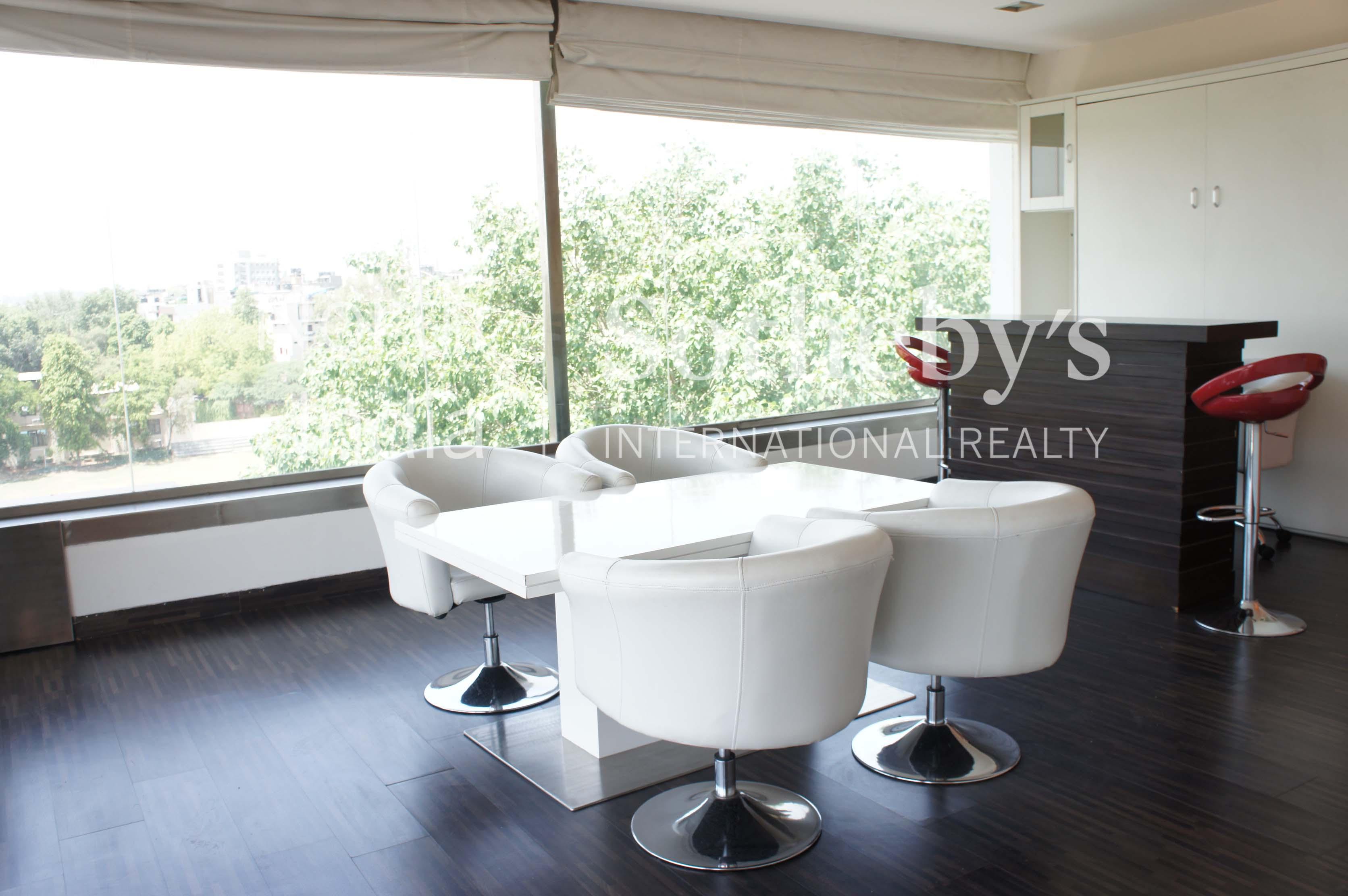 Property Of Elegant Apartment in Gulmohar Park