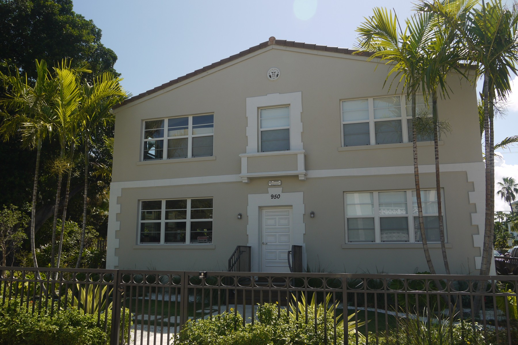 Property For Sale at 950 Pennsylvania Ave #B11