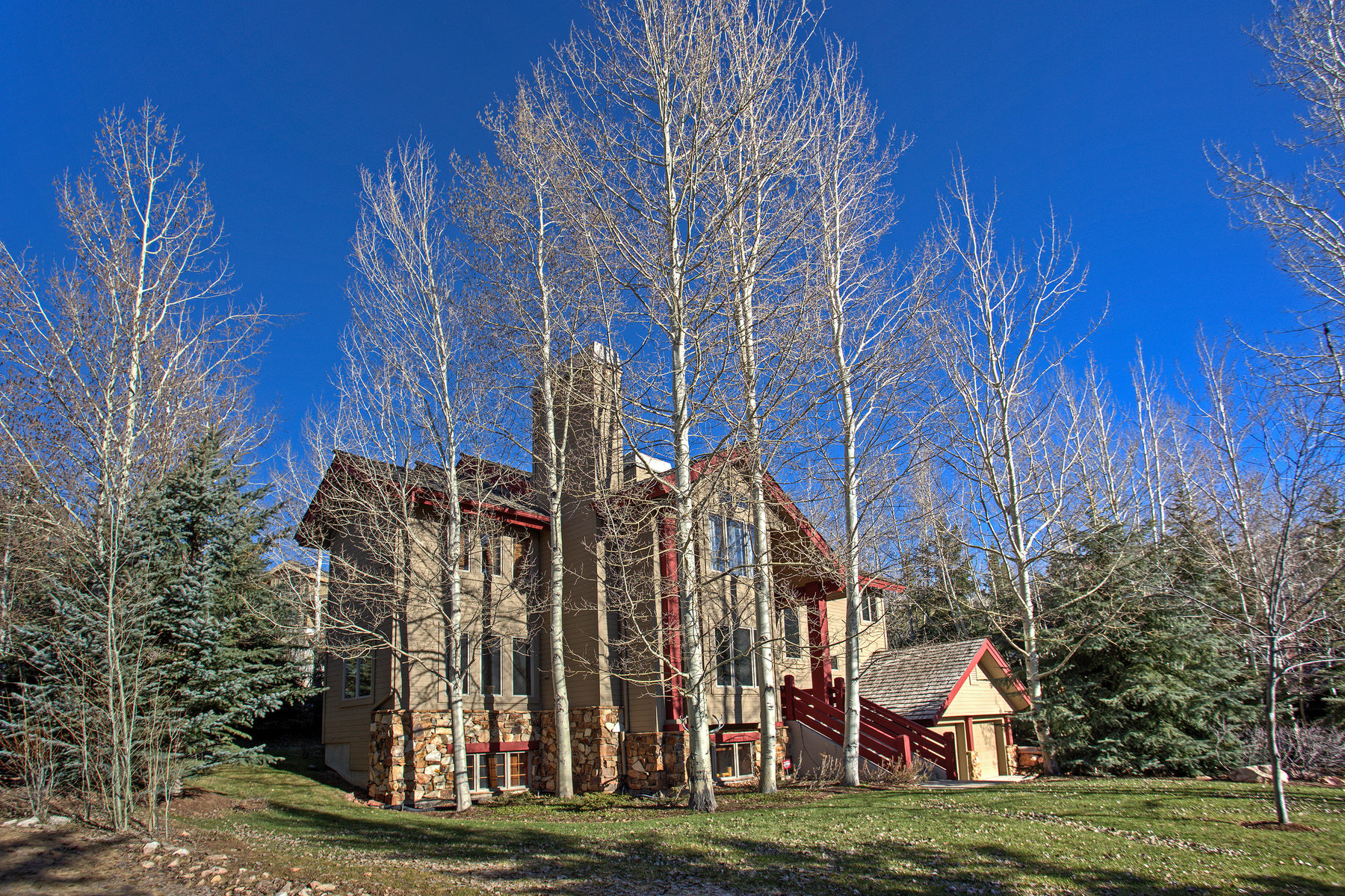 Maison unifamiliale pour l Vente à Beautiful Deer Valley Residence 3055 Snowcloud Cir Park City, Utah, 84060 États-Unis