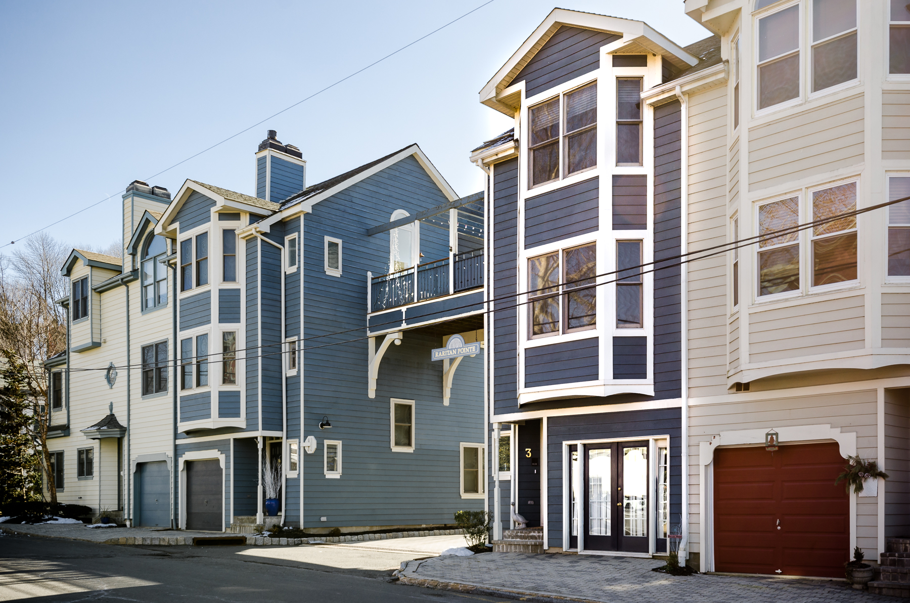Casa unifamiliar adosada (Townhouse) por un Venta en Simply Sensational 3 Raritan Pointe Lambertville, Nueva Jersey 08530 Estados Unidos
