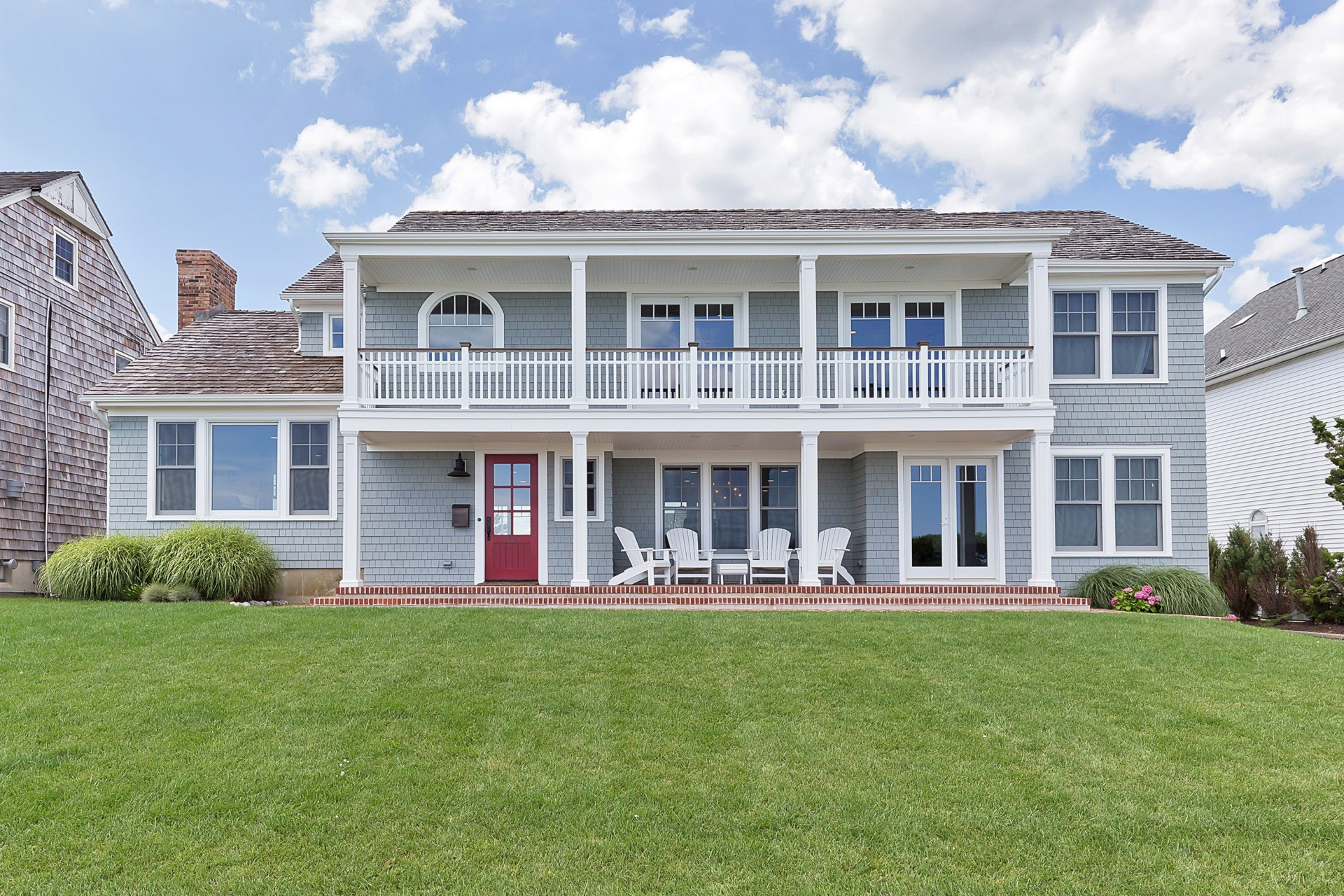 Maison unifamiliale pour l Vente à Enjoy Ocean Breezes & Spectacular Views 107 Ocean Avenue Spring Lake, New Jersey 07762 États-Unis