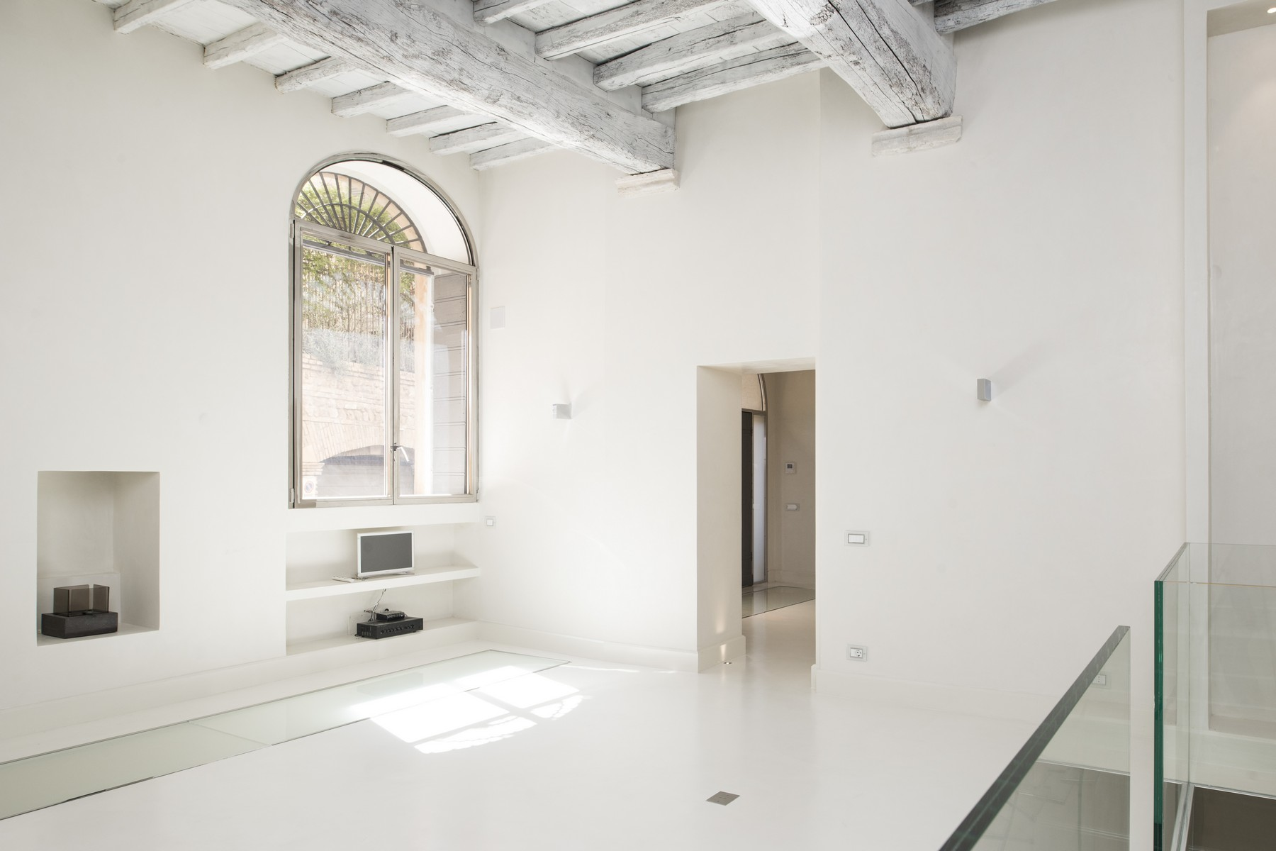 Apartamento por un Venta en Beautiful apartment a few steps from Piazza Navona Vicolo Domizio Rome, Roma 00186 Italia