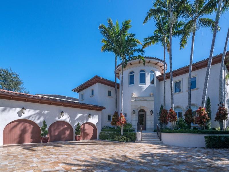 단독 가정 주택 용 매매 에 140 Rosales Court Coral Gables, 플로리다 33143 미국