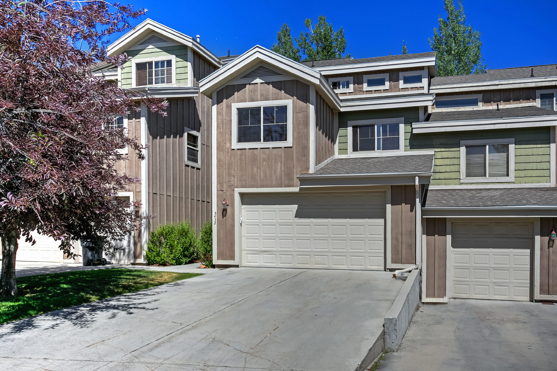 sales property at Bright 3 Bedroom Unit in Bear Hollow