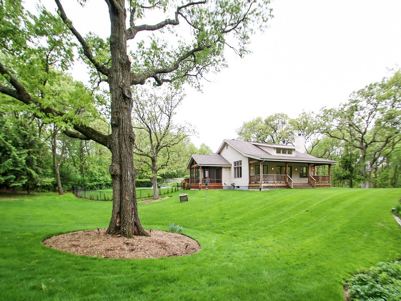 Maison unifamiliale pour l Vente à Incredible Home on 10 Acres of Land 3610 Paulson Road Harvard, Illinois 60033 États-Unis