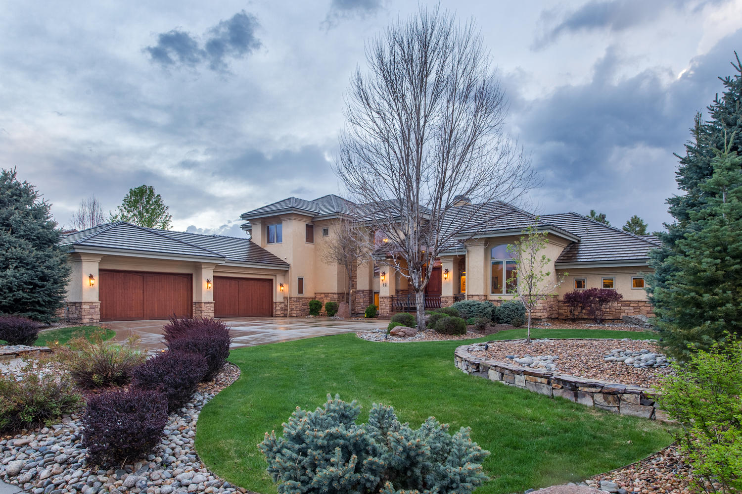 Single Family Home for Sale at Exquisite custom Austin Signature home 12 Brookhaven Trl Littleton, Colorado, 80123 United States