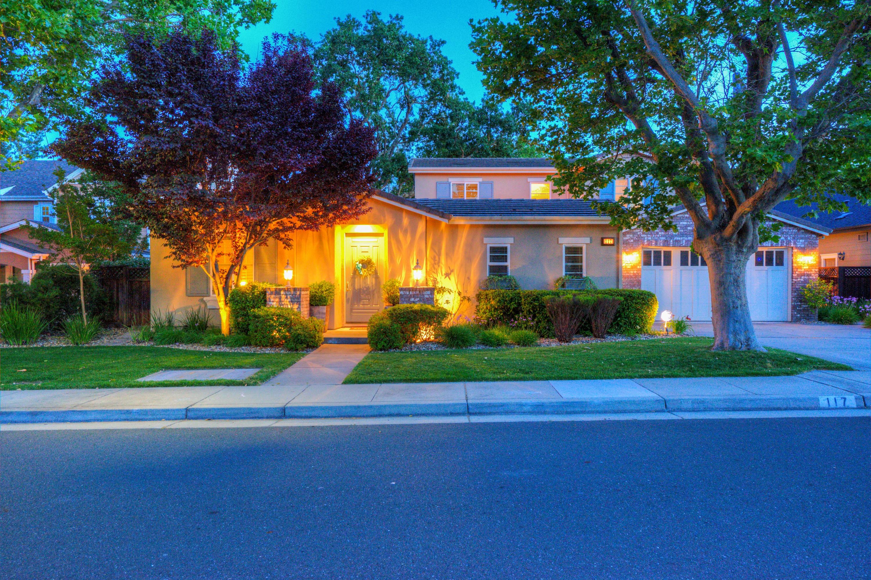Einfamilienhaus für Verkauf beim Terrific Pointe Marin 117 Laurelwood Drive Novato, Kalifornien, 94949 Vereinigte Staaten