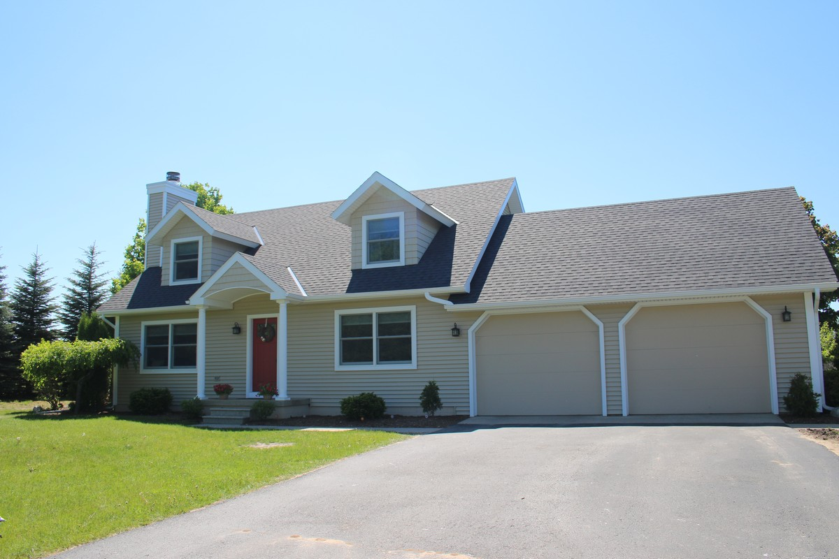 Single Family Home for Sale at Kolinski 853 Kolinski Petoskey, Michigan 49770 United States