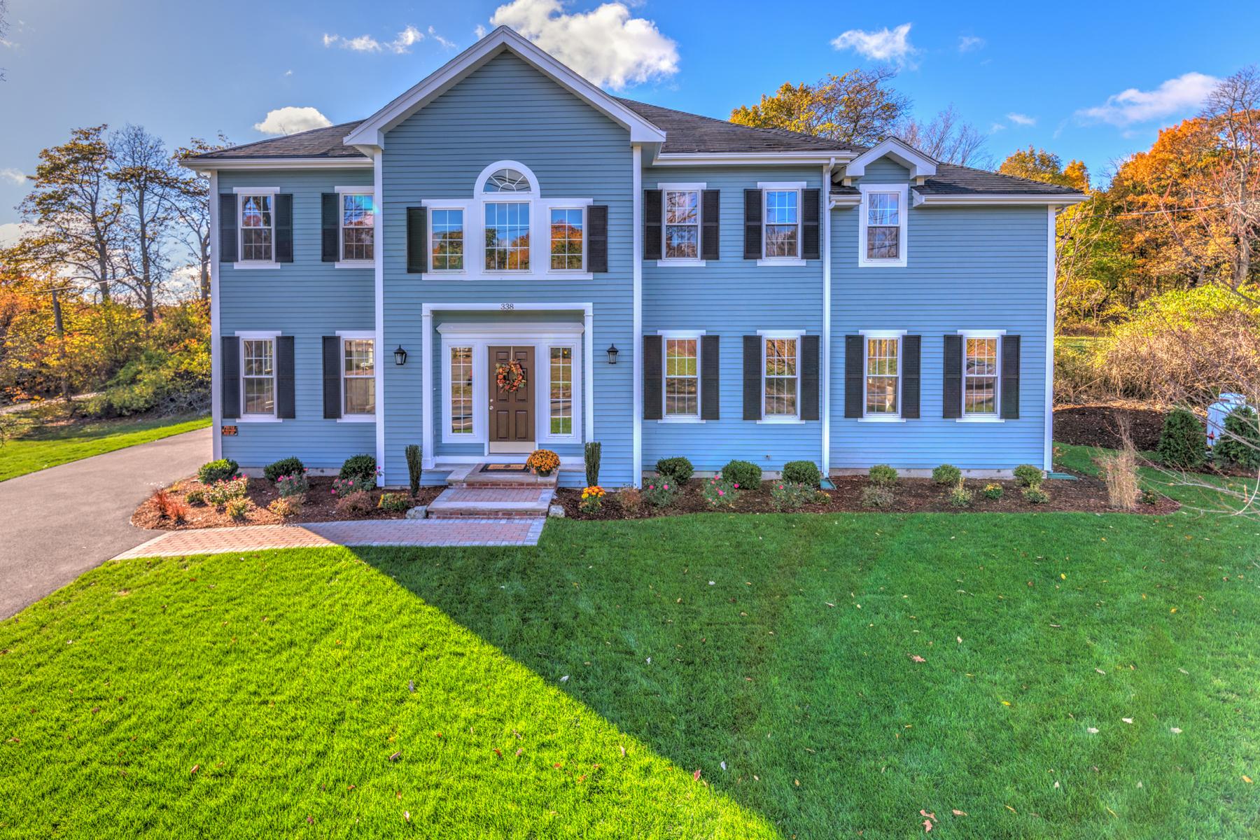 Nhà ở một gia đình vì Bán tại Stunning Young Colonial 338 Concord Avenue Lexington, Massachusetts, 02420 Hoa Kỳ