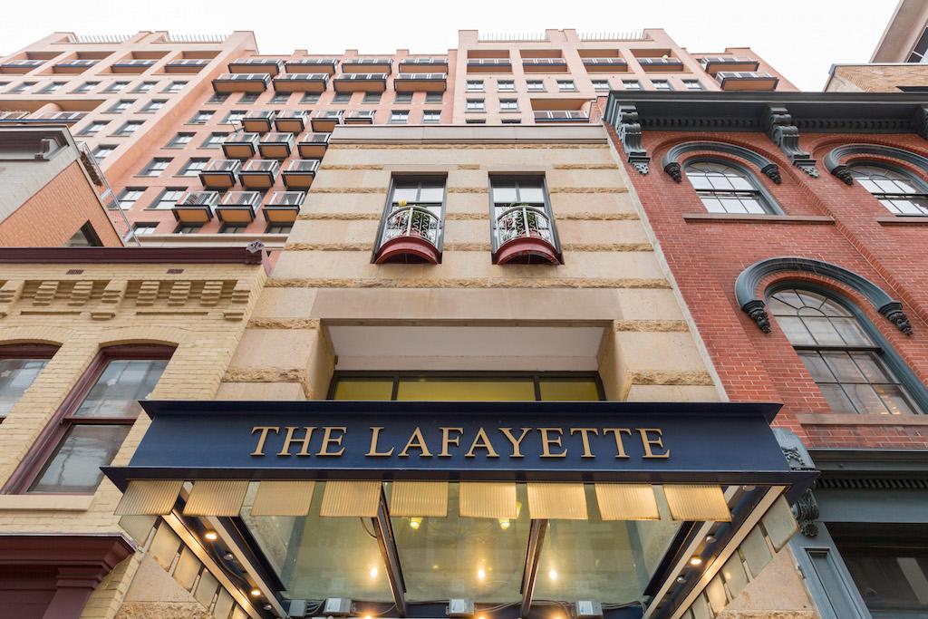 Кооперативная квартира для того Продажа на Penn Quarter - The Lafayette 631 D Street NW 843 Washington, Округ Колумбия 20004 Соединенные Штаты