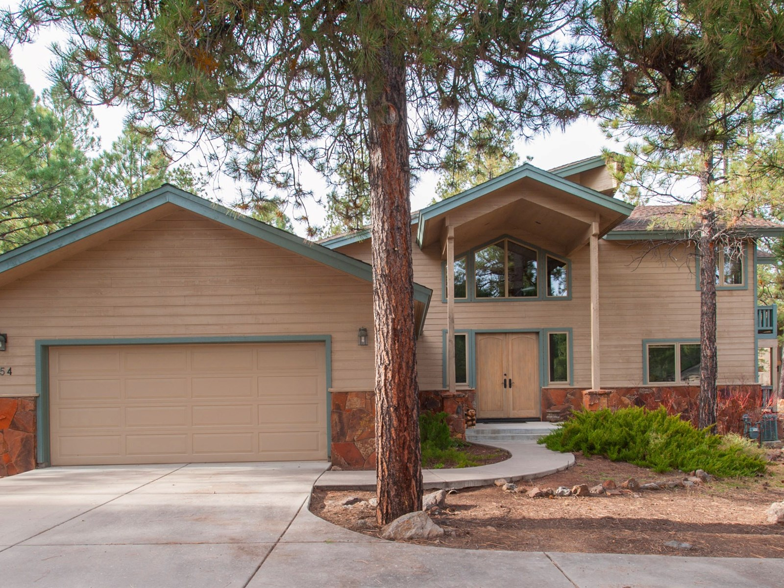 Moradia para Venda às Beautiful Multi-Level Home 2562 Hart Merriam Flagstaff, Arizona 86005 Estados Unidos