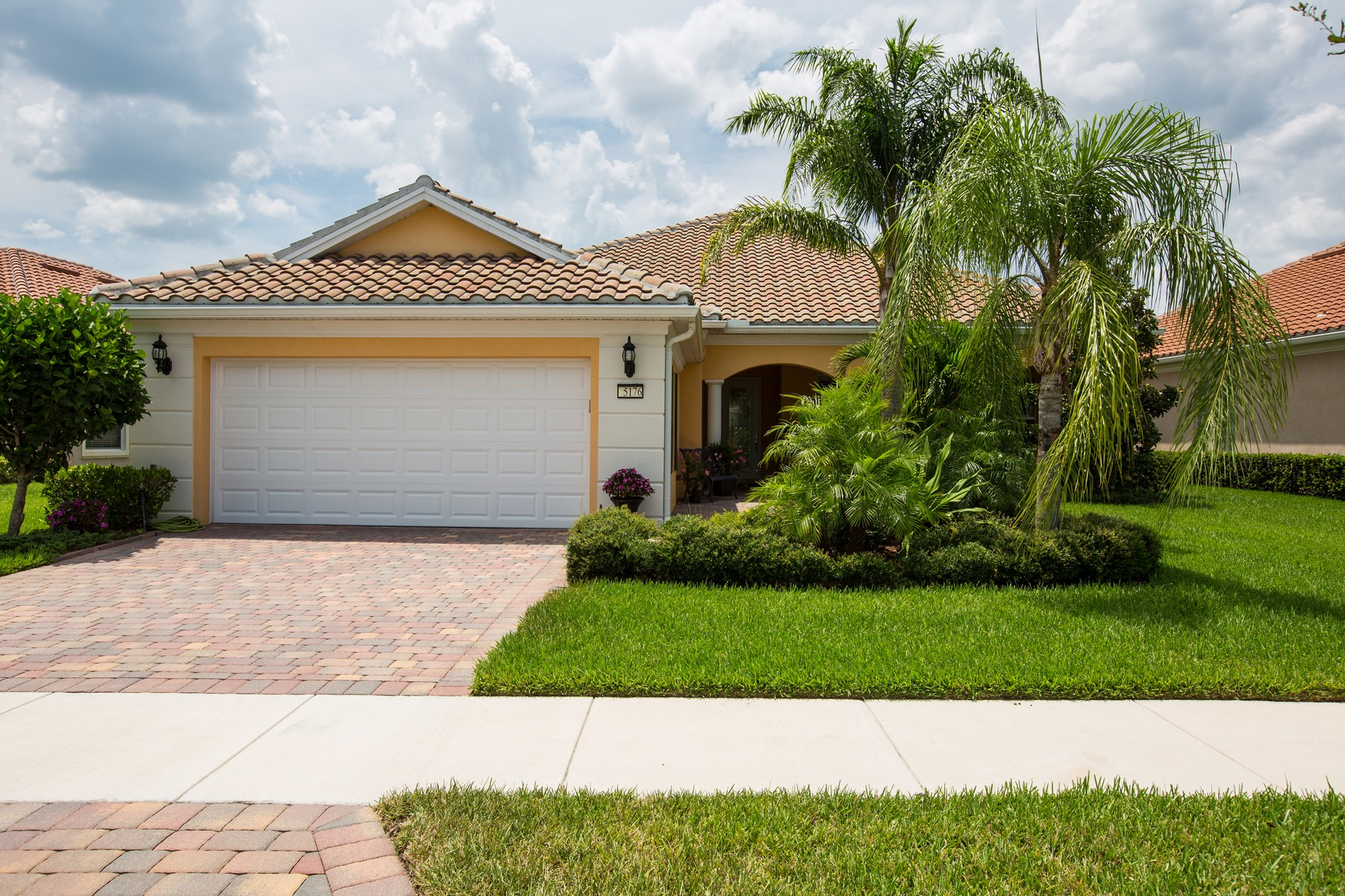 Property For Sale at Fabulous 4/4 in Isles of Waterway Village
