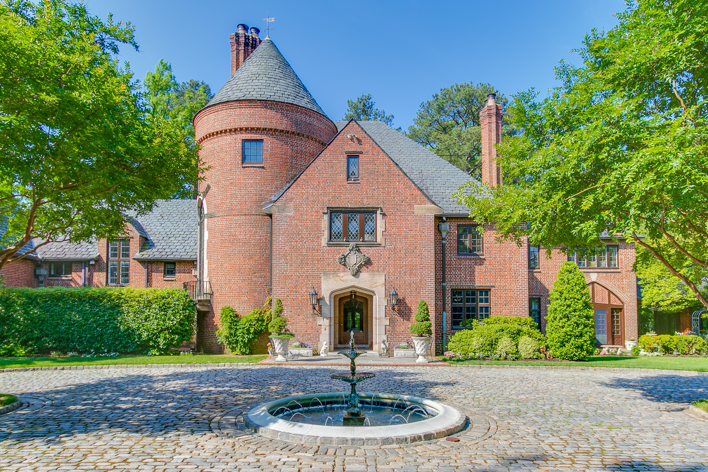 Einfamilienhaus für Verkauf beim 5115 Cary Street Road Richmond, Virginia, 23226 Vereinigte Staaten