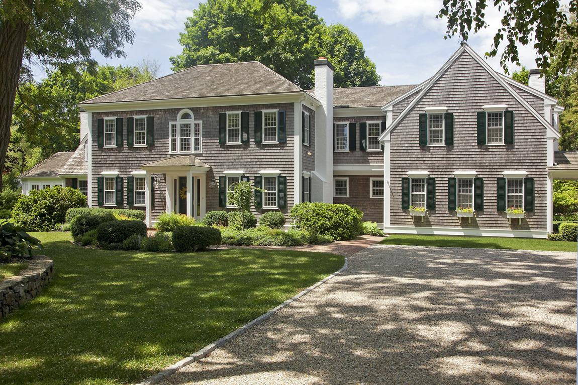 Частный односемейный дом для того Продажа на Exquisite Colonial 95 Eagle's Nest Road Duxbury, Массачусетс 02332 Соединенные Штаты