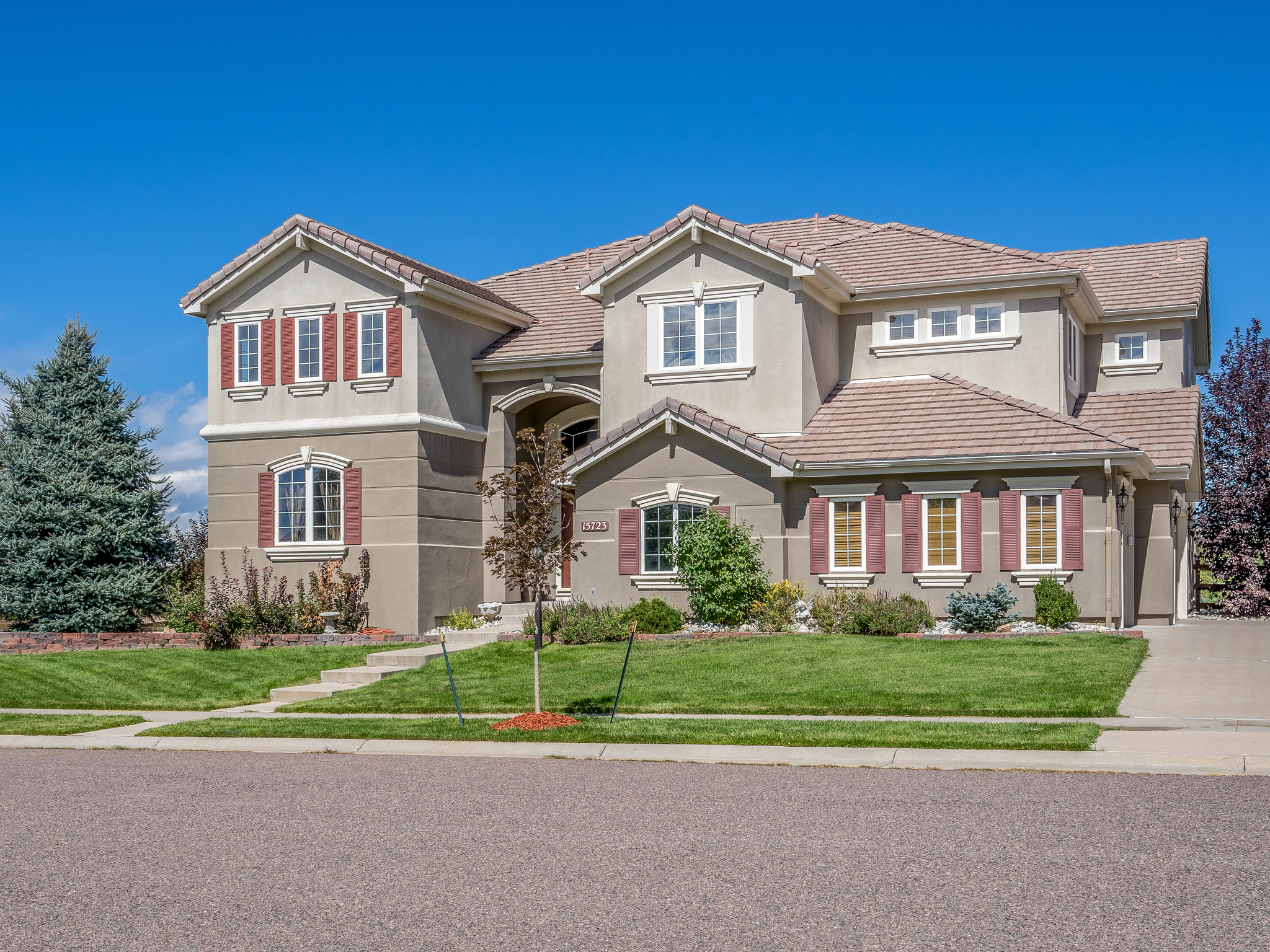 Single Family Home for Sale at 15723 E Orchard Pl Centennial, Colorado, 80016 United States