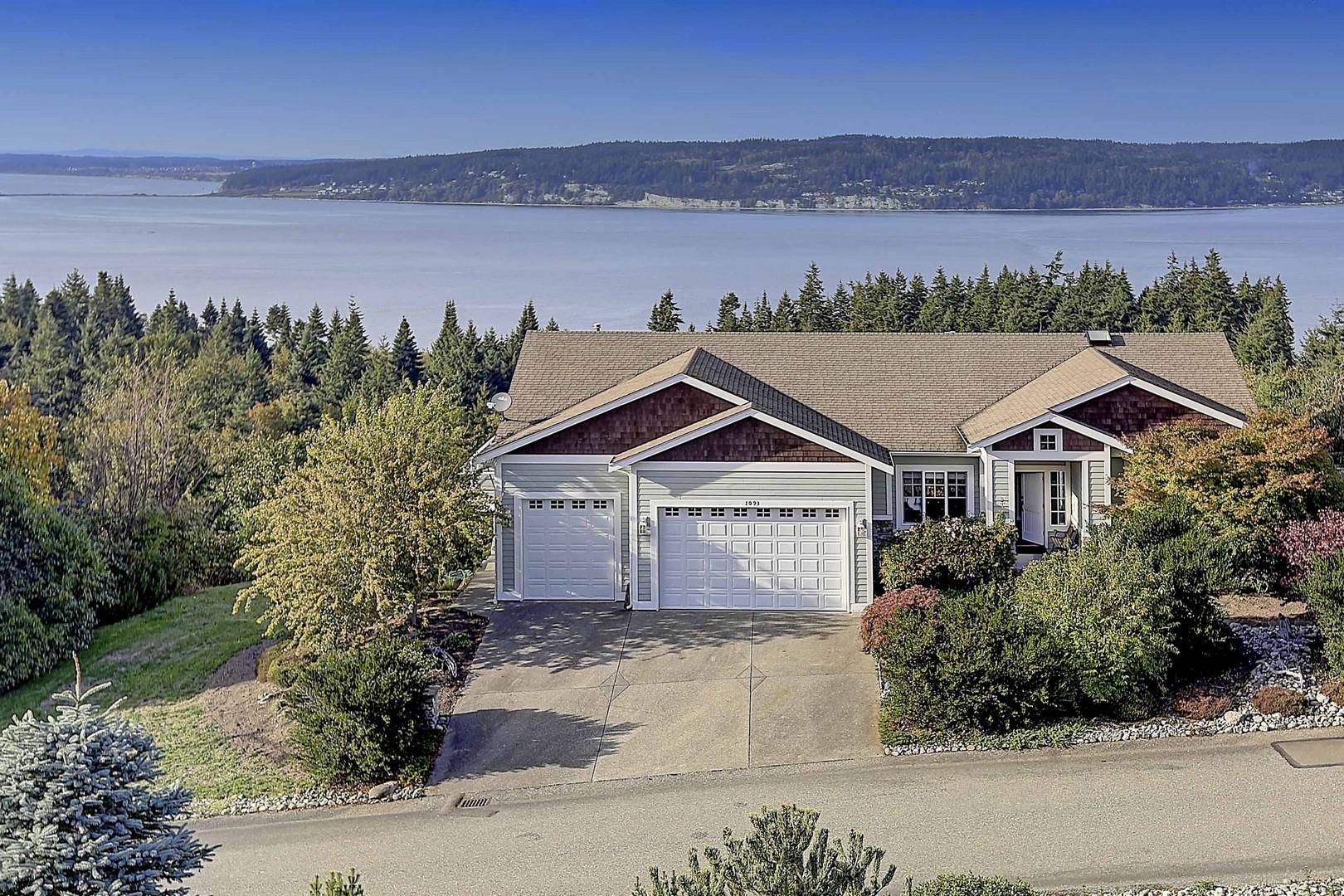 Villa per Vendita alle ore Brentwood Ridge 1093 Malvern Hills Dr Camano Island, Washington, 98282 Stati Uniti