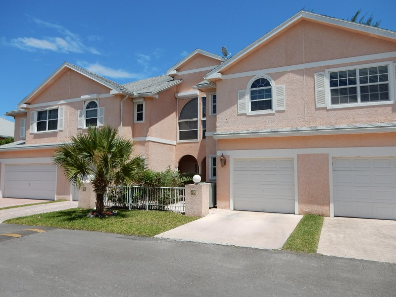Additional photo for property listing at Nautica Townhouse Nautica Garden View Townhouse West Bay Street, Nueva Providencia / Nassau 0 Bahamas