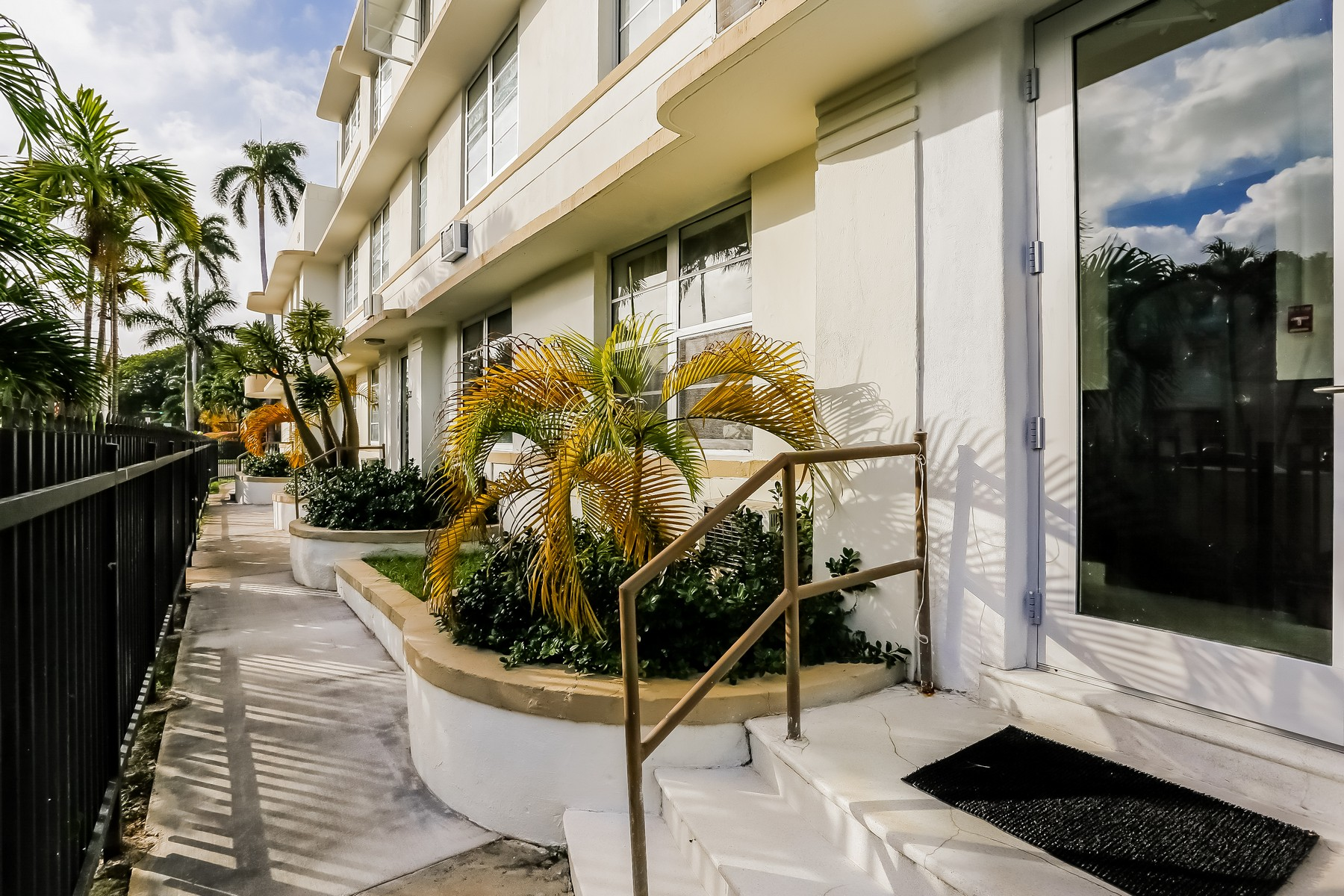 Other Residential for Sale at 529 15 Street Miami Beach, Florida 33139 United States