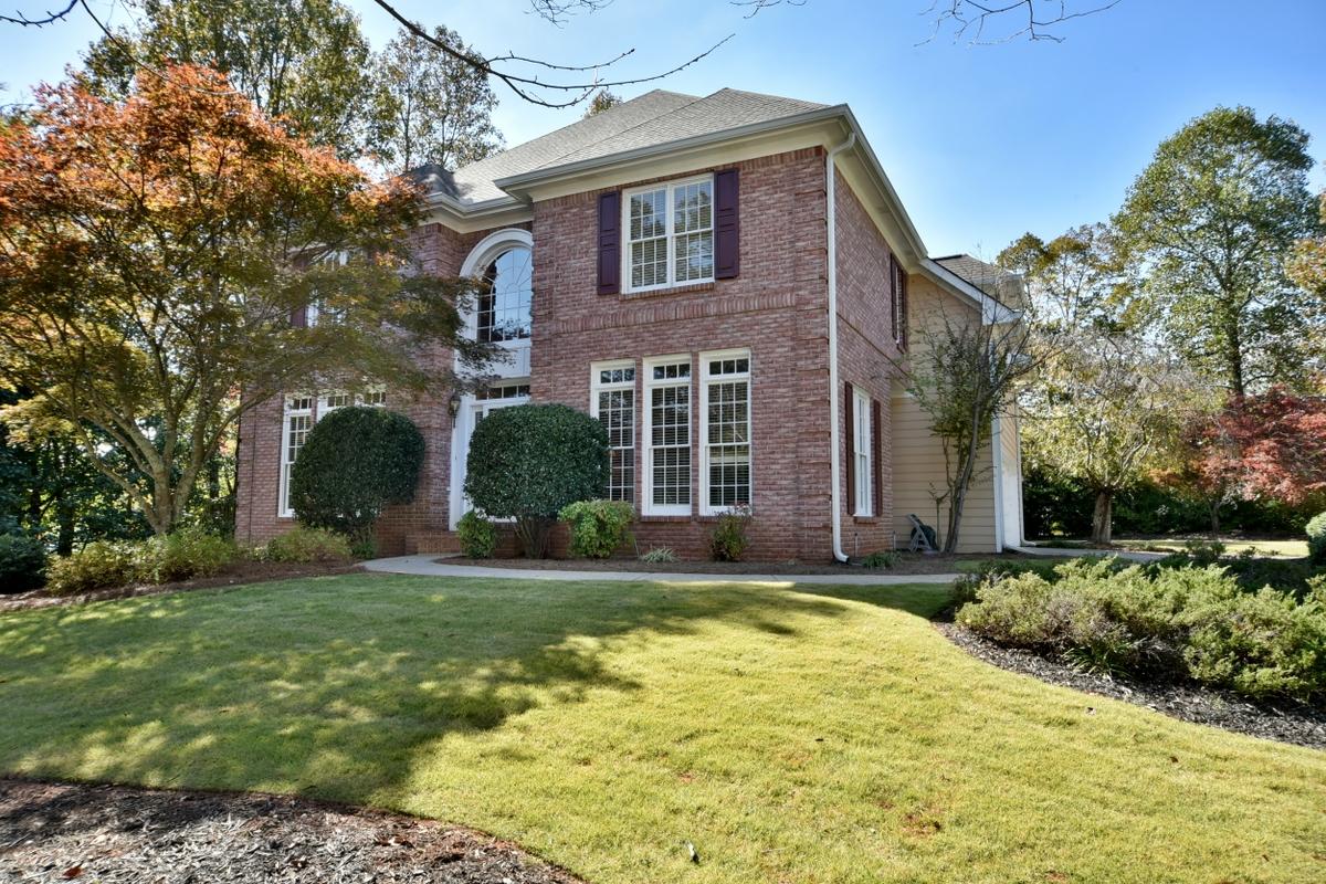 独户住宅 为 销售 在 One-of-a-Kind SHowcase Home in Johns Creek 7425 Brookstead Crossing Johns Creek, 乔治亚州 30097 美国