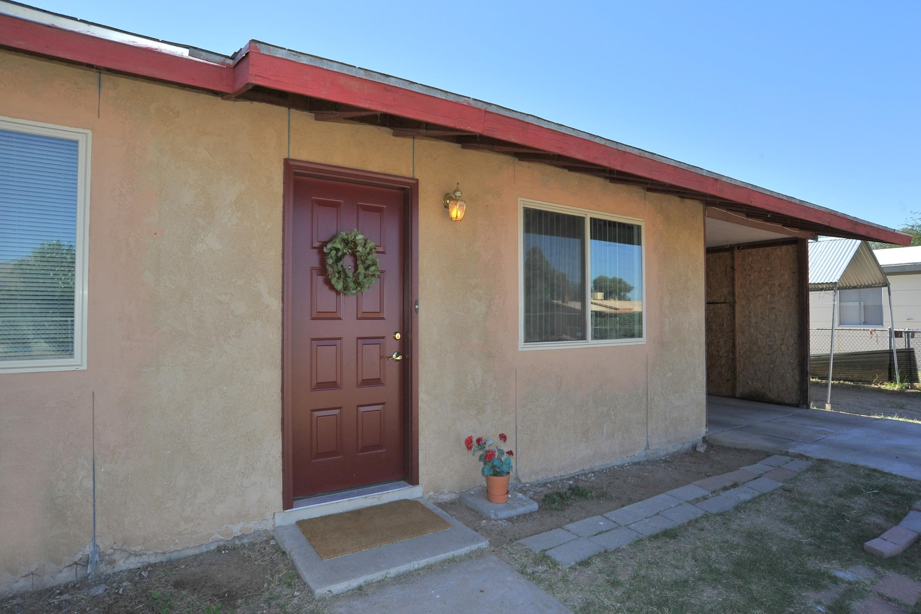 Single Family Home for Sale at Darling single level home 5352 E 32nd Street Tucson, Arizona, 85711 United States