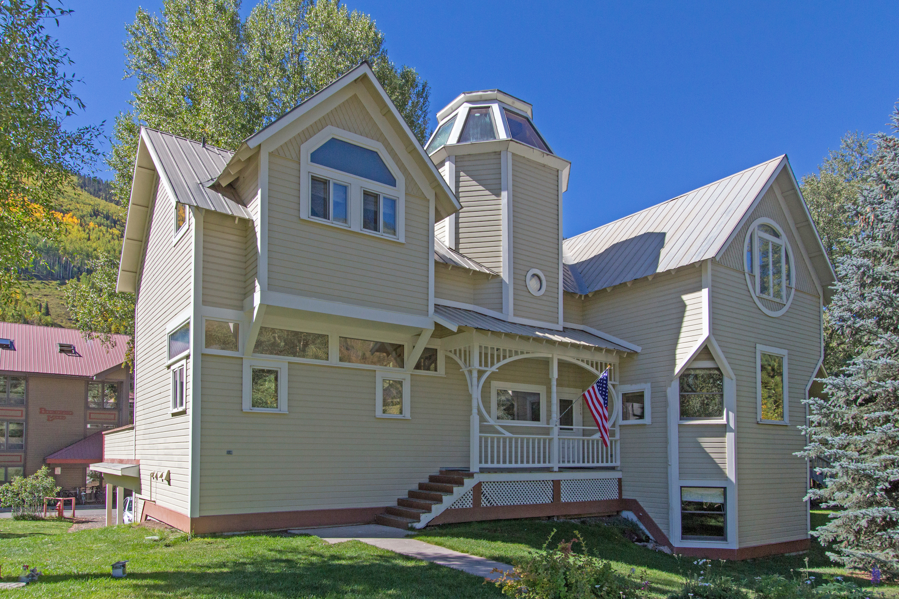 Таунхаус для того Продажа на Tower House 652 W. Colorado Ave E and West 654 Colorado Ave Telluride, Колорадо, 81435 Соединенные Штаты