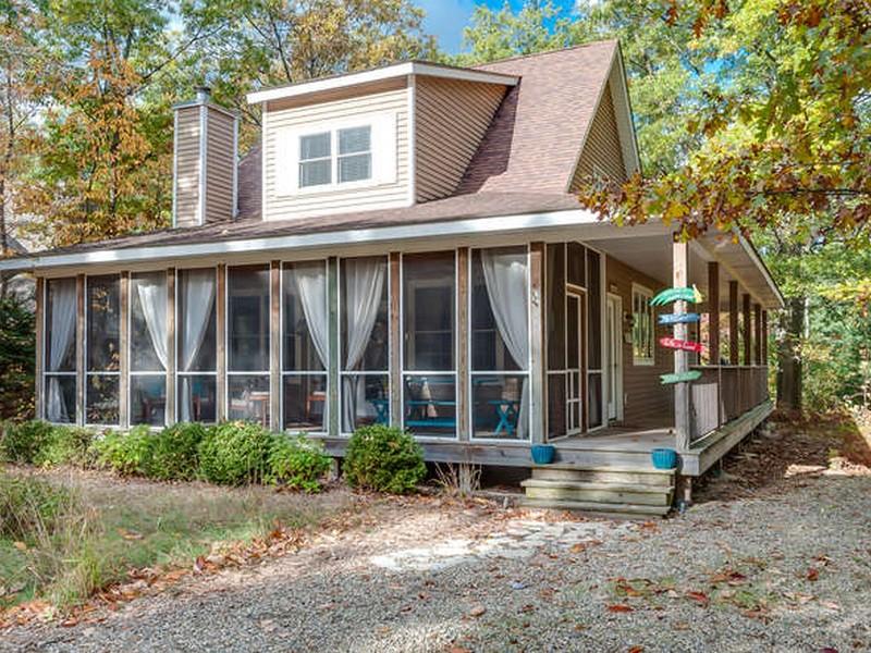 Casa para uma família para Venda às Oldfield 18714 Oldfield Rd New Buffalo, Michigan 49117 Estados Unidos