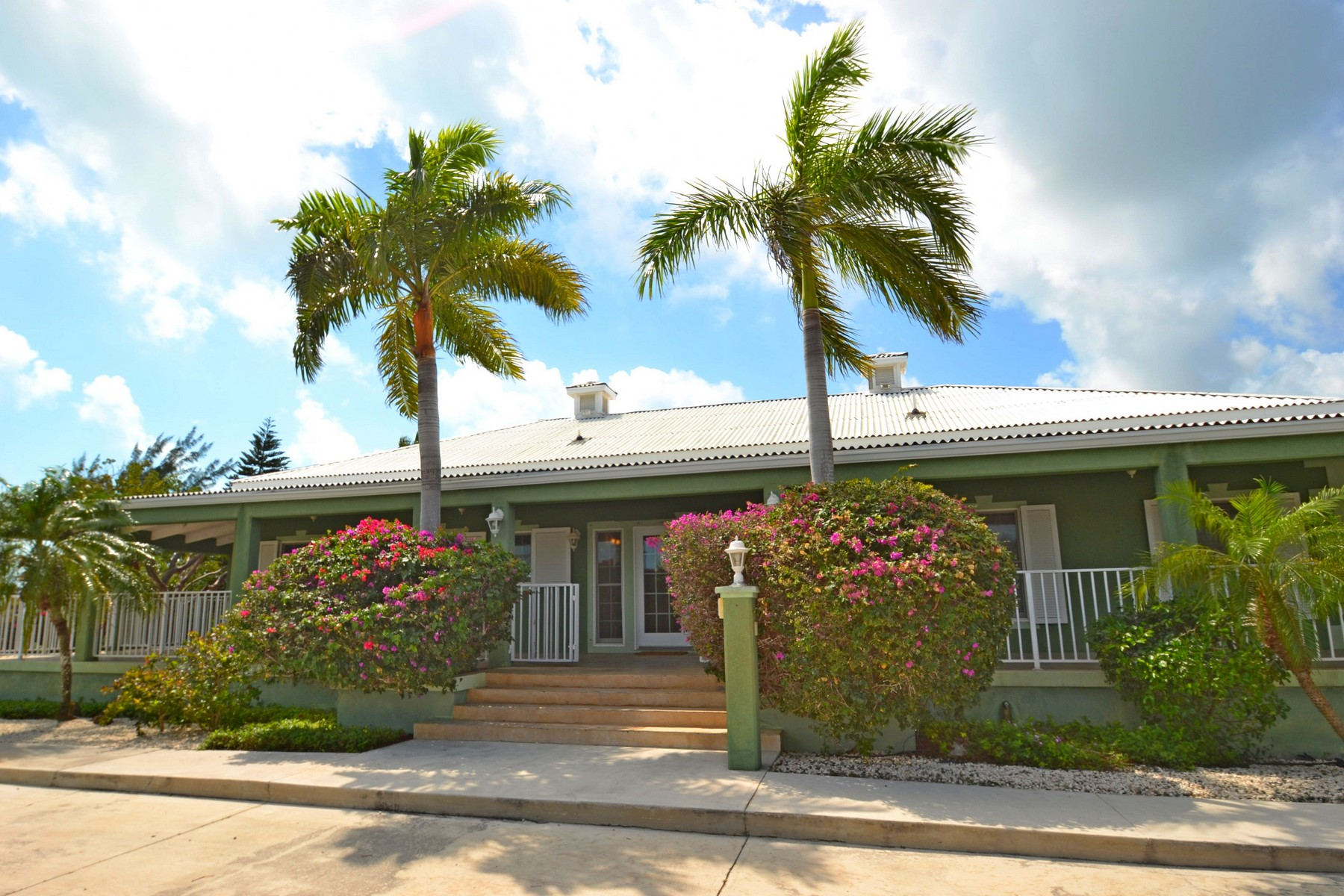 Additional photo for property listing at Provo Golf Course Villa Pebble Beach Drive Leeward, Providenciales TCI BWI Îles Turques Et Caïques