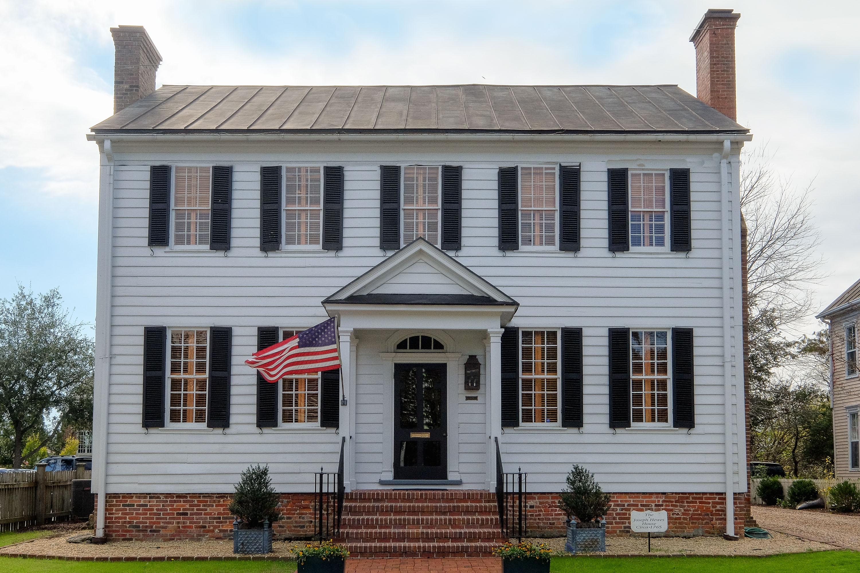 獨棟家庭住宅 為 出售 在 Joseph Hewes House 105 W King St Edenton, 北卡羅來納州, 27932 美國