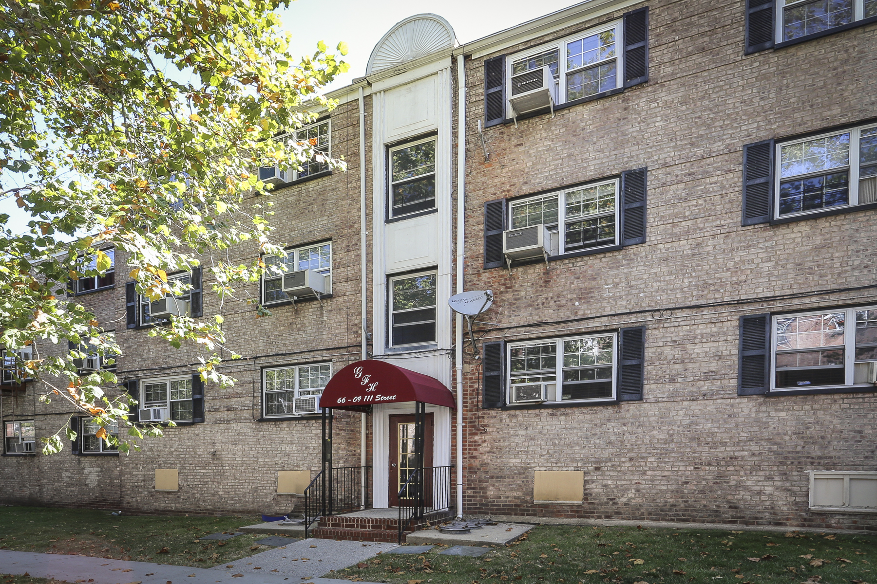 "Co-op for Sale at ""GARDEN APARTMENT IN LOVELY CUL DE SAC DEVELOPMENT"" 66-09 111 Street, Forest Hills, New York 11375 United States"