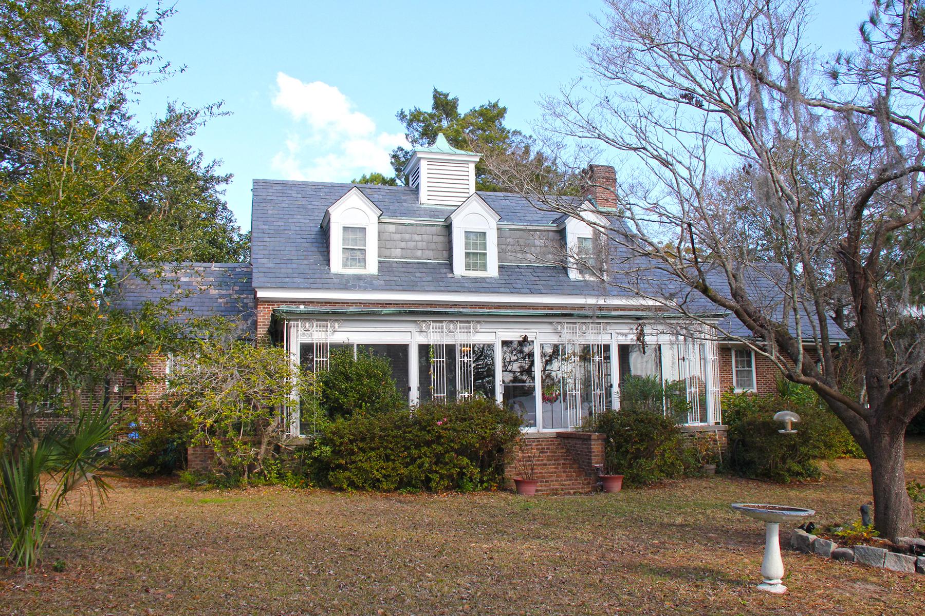 sales property at 111 Folly Road