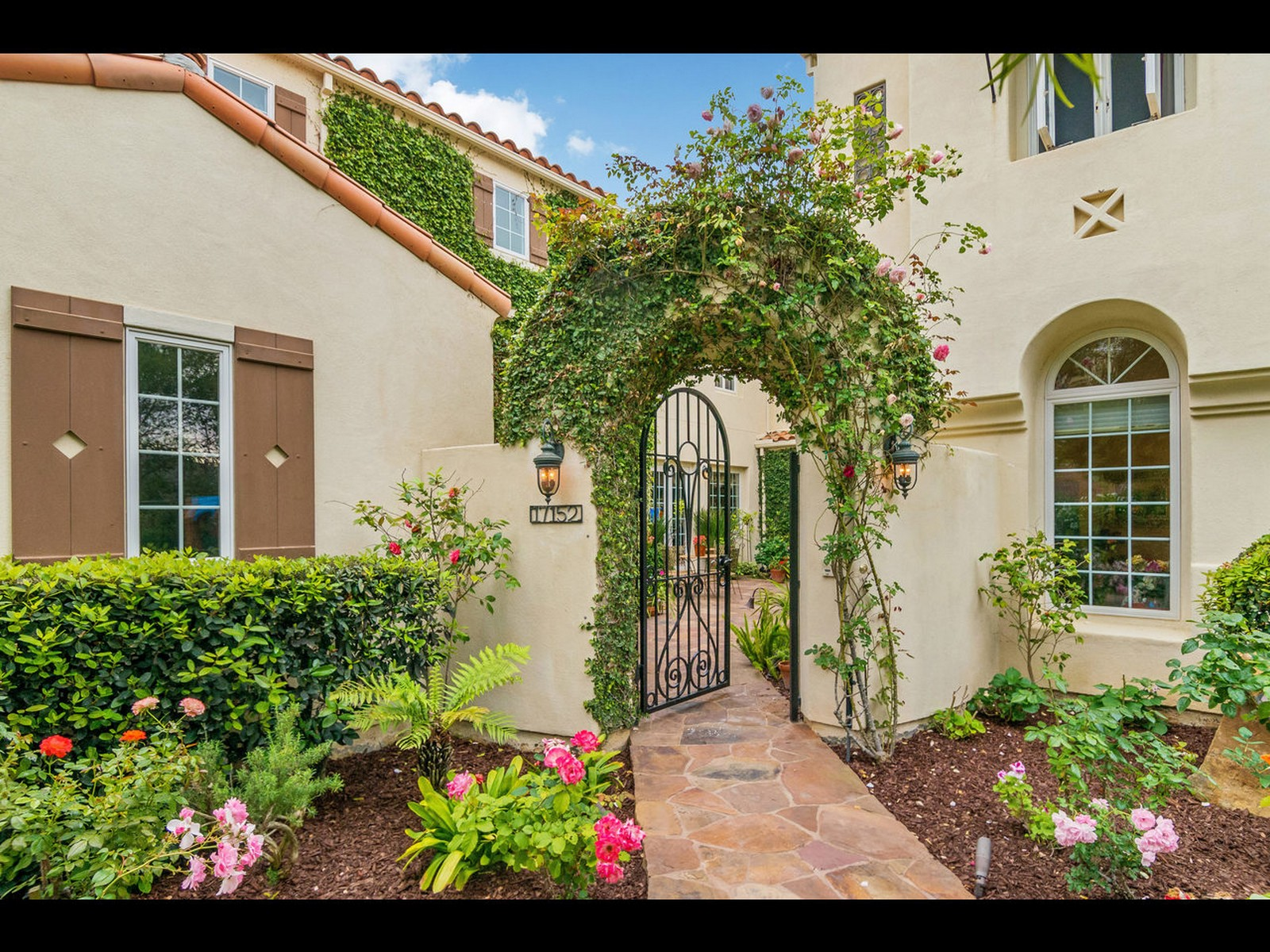 Single Family Home for Sale at 17152 Blue Skies Ridge San Diego, California, 92127 United States