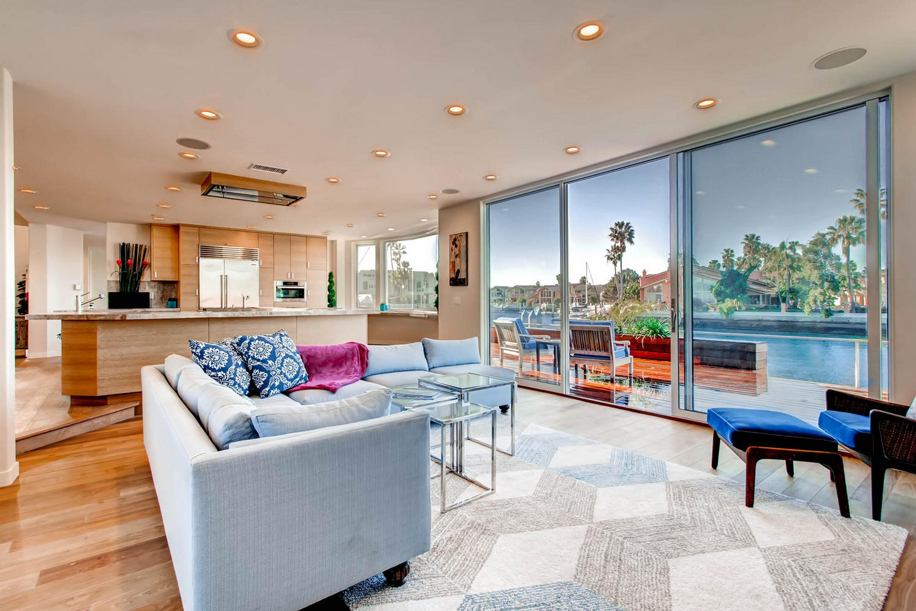 Additional photo for property listing at 4 Spinnaker Way  Coronado, Калифорния 92118 Соединенные Штаты