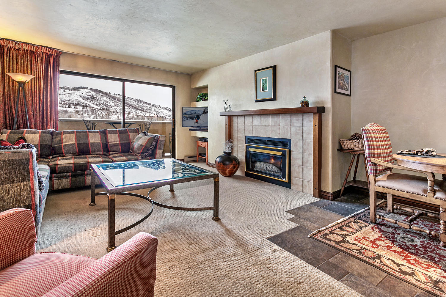 Condominium for Sale at The Seasons at Avon #324 137 Benchmark Rd #324 Avon, Colorado, 81620 United States