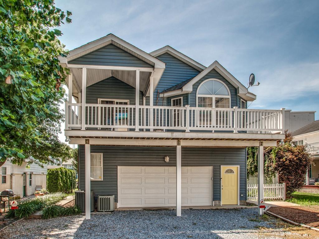 Maison unifamiliale pour l Vente à 38366 F Benson , Rehoboth Beach, DE 19971 38366 F Benson Rehoboth Beach, Delaware, 19971 États-Unis