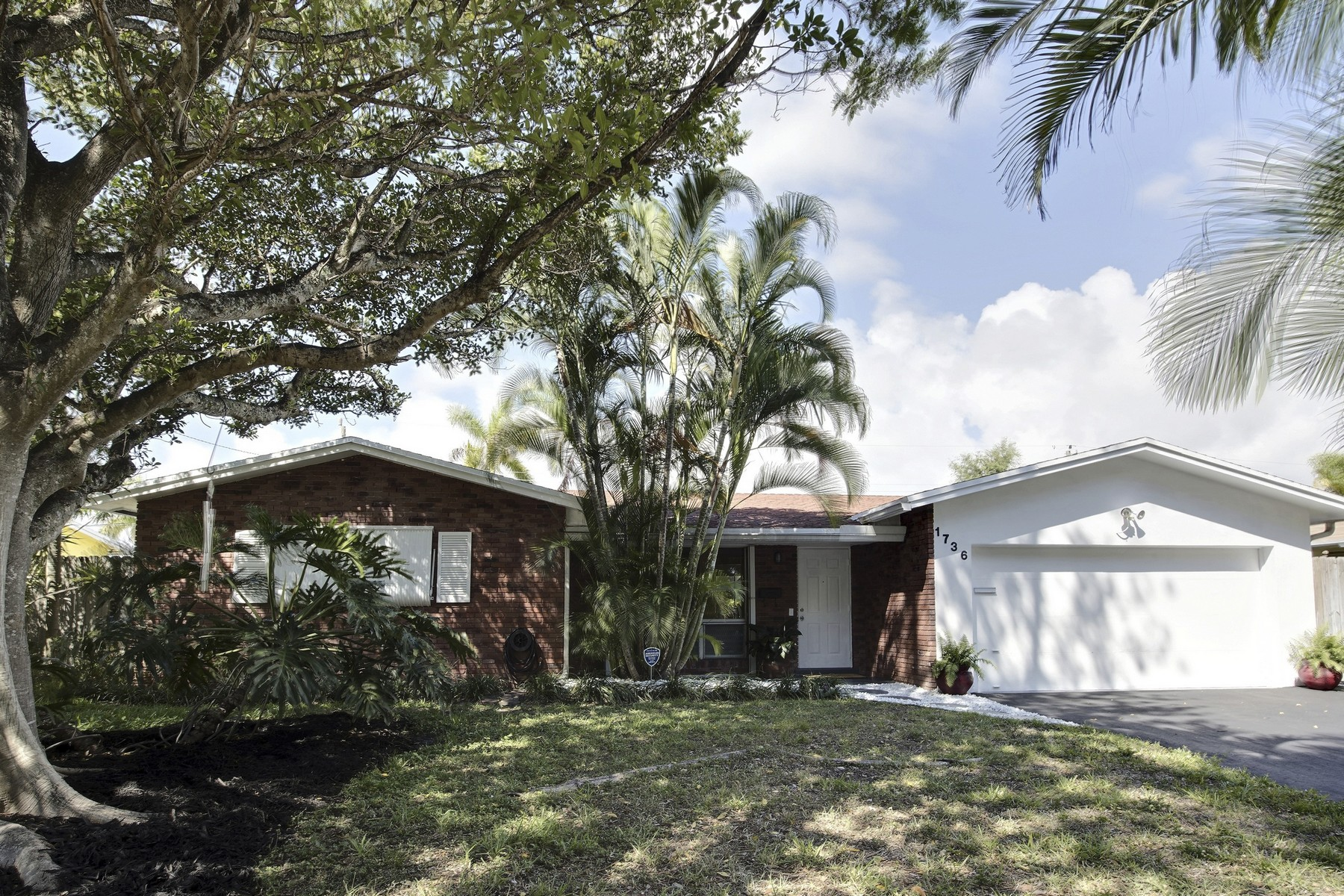 Single Family Home for Sale at Coral Ridge Isles 1736 NE 58 St. Fort Lauderdale, Florida 33334 United States